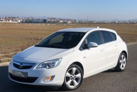 Opel, Astra, 2011, Nafte