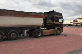 Scania+trailer vetshkarkues+trailer mushama, Scania, 2000